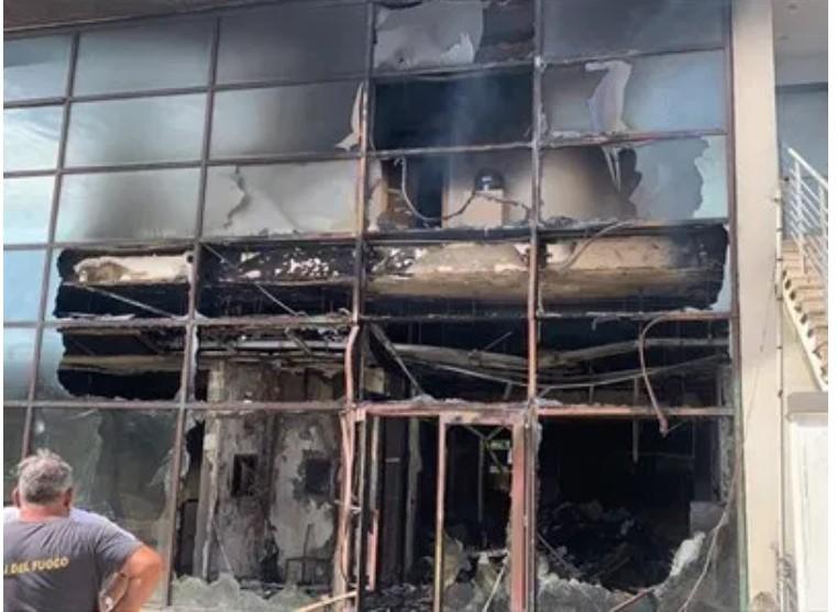 Telesveva, ci sarebbe un fermato per l'incendio del Centro Turistico Mastrogiacomo