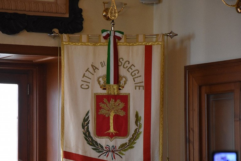 Torna a riunirsi il Consiglio Comunale, inspiegabilmente e nuovamente nella palestra Ferraris-Battisti
