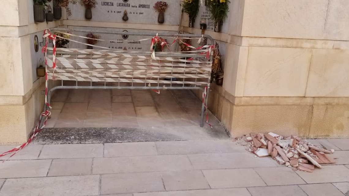 Quel che resta del Cimitero di Bisceglie… (le foto del degrado). Le denunce dei consiglieri Russo e Spina