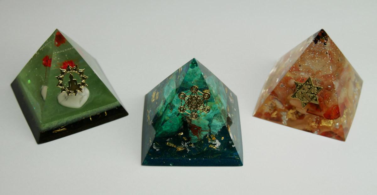 Kategorie: Pyramidy, kyvadla, amulety