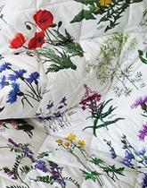 Narzuta w kwiaty polne