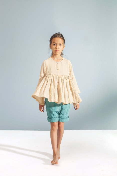 sand yoke blouse_emerald shorts
