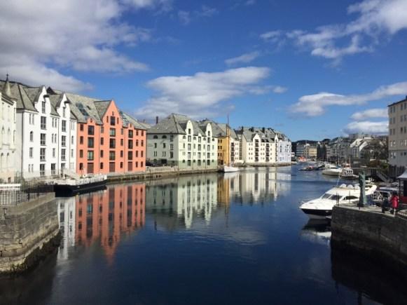 Andrea Miramontes-instagram-lado b viagem-Alesund-noruega (1)