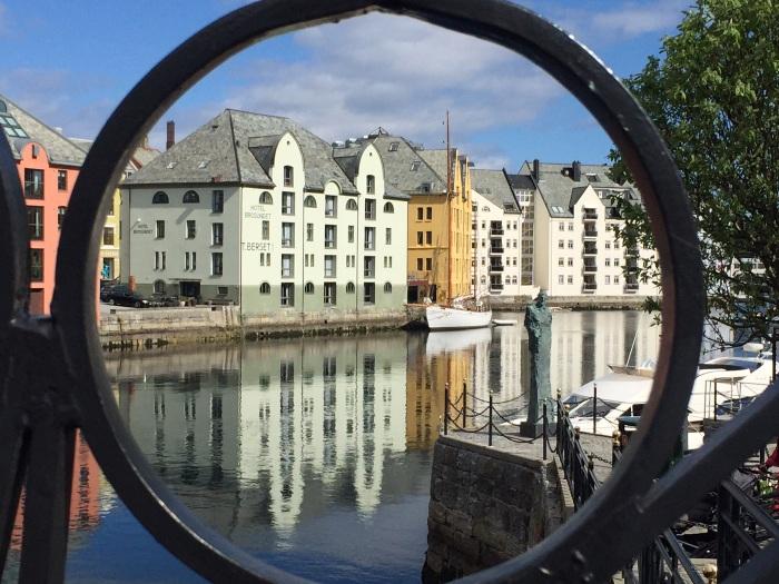 Andrea Miramontes-instagram-lado b viagem-Alesund-noruega (5)