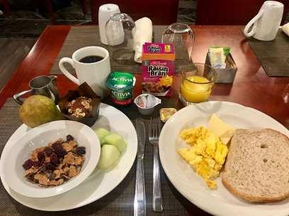 Café da manhã no Andiamo, restaurante dentro do Hilton Chicago O'Hare Airport (Andrea Miramontes/ Lado B Viagem)