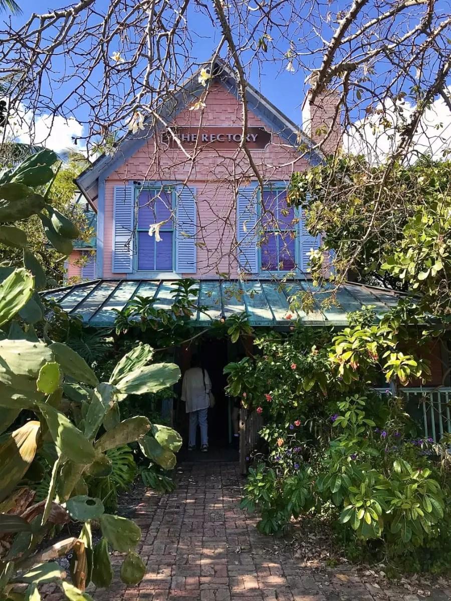 Casa de chá em Delray Beach é moldada por plantas místicas e aromáticas - Andrea Miramontes / Lado B Viagem