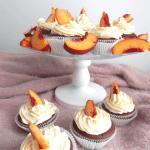 Schoko-Nektarinen-Cupcakes