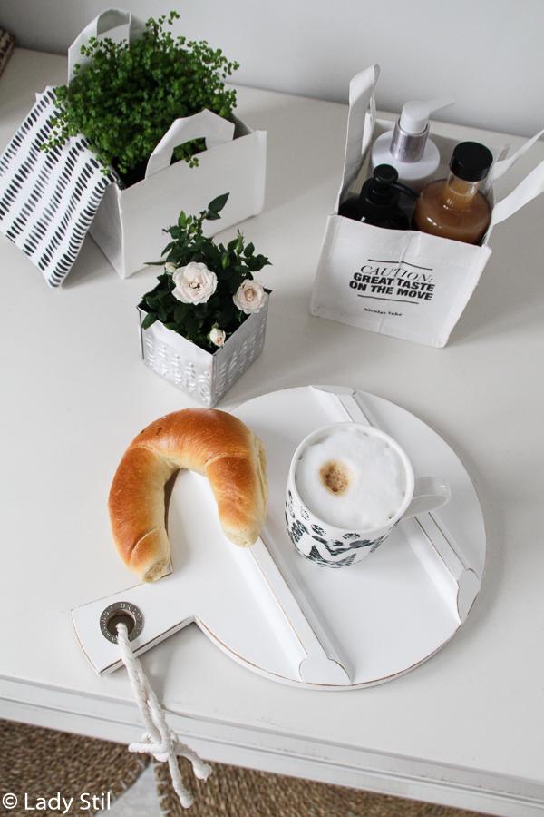 DIY Muttertagsgeschenk Tasse Coffee Mug mit Initialen bemalen, Porzellanfarbe