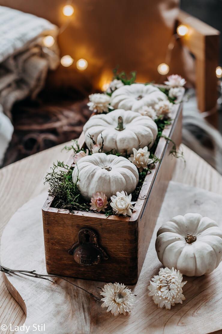 Herbstliche Tischdeko Lady Stil De