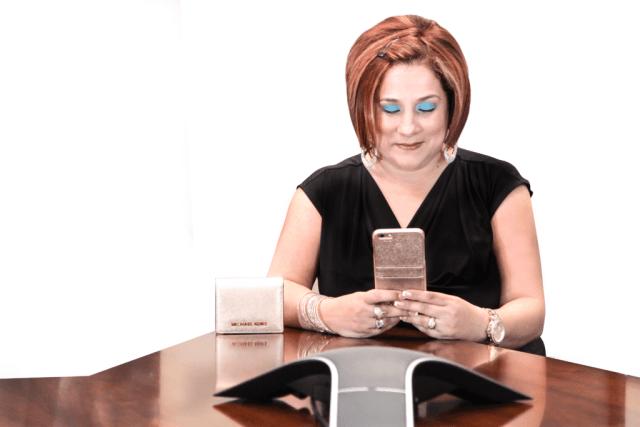 snowe-desk-phone-edit2