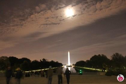 Washington Memorial moonlight