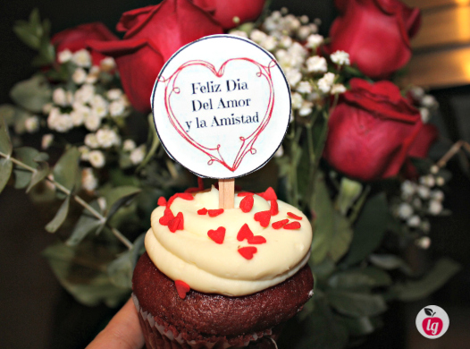 Red velvet cupcake_ValentinesDay_topper
