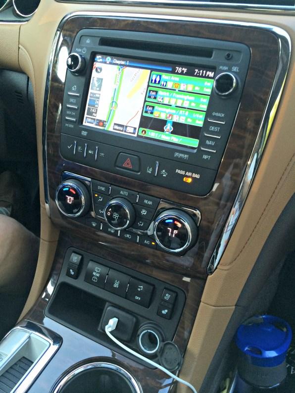 buick-enclave-2015-controls