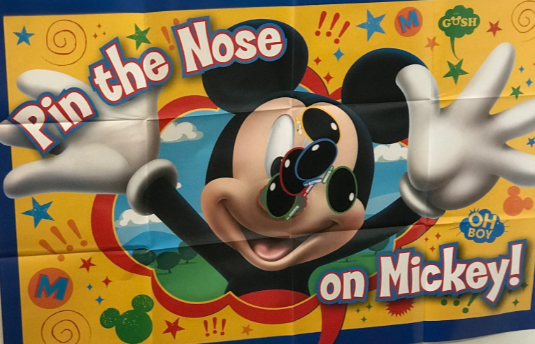 Pin the nose on Mickey Game