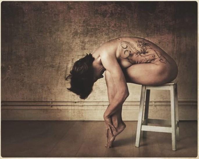 Lady Erell âme rencontre confessions érotisme cérébrale colère confidences mots nu photo pudeur tatoo