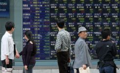 Asia Stocks Rise, Led by Japan, as Yen Falls After U.S. Payrolls