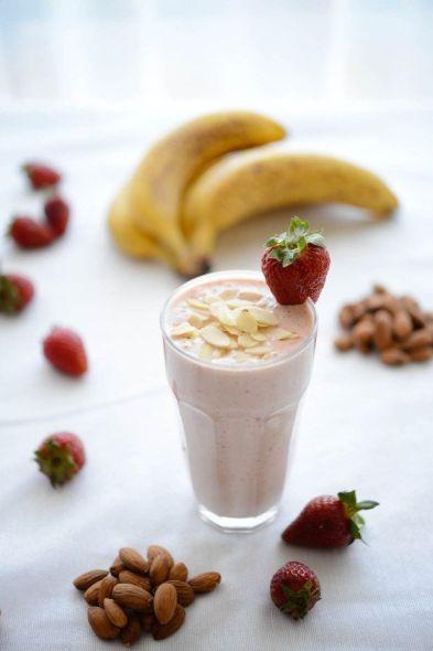 Vegan protein rich workout smoothie.