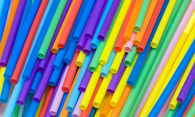 United Becomes the Latest US Airline to Ban Plastic Straws