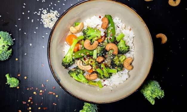 Spice Up Your Quarantine Cookbook with This Vegan Broccoli and Garlic Sauce Recipe