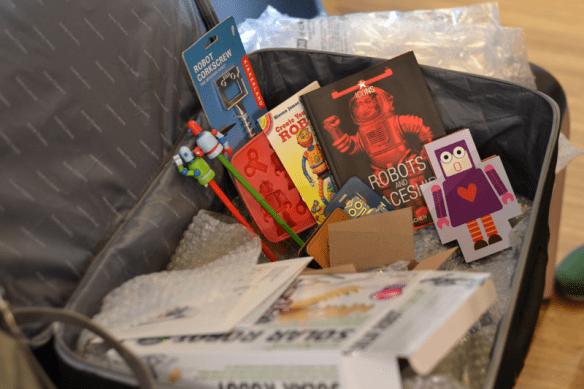Ik had niet alleen robots mee, maar ook allerlei robotgerelateerde items zoals boeken, potloden, een kurkentrekker en een ijsblokjesmaker.