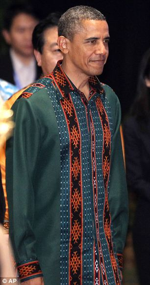 Unusual : Barack Obama in Batik shirt