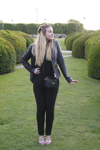 alt-black-look-jardins-des-tuileries-lady-heavenly