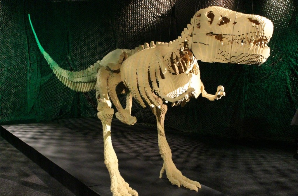 alt-the-art-of-the-brick-dinosaure