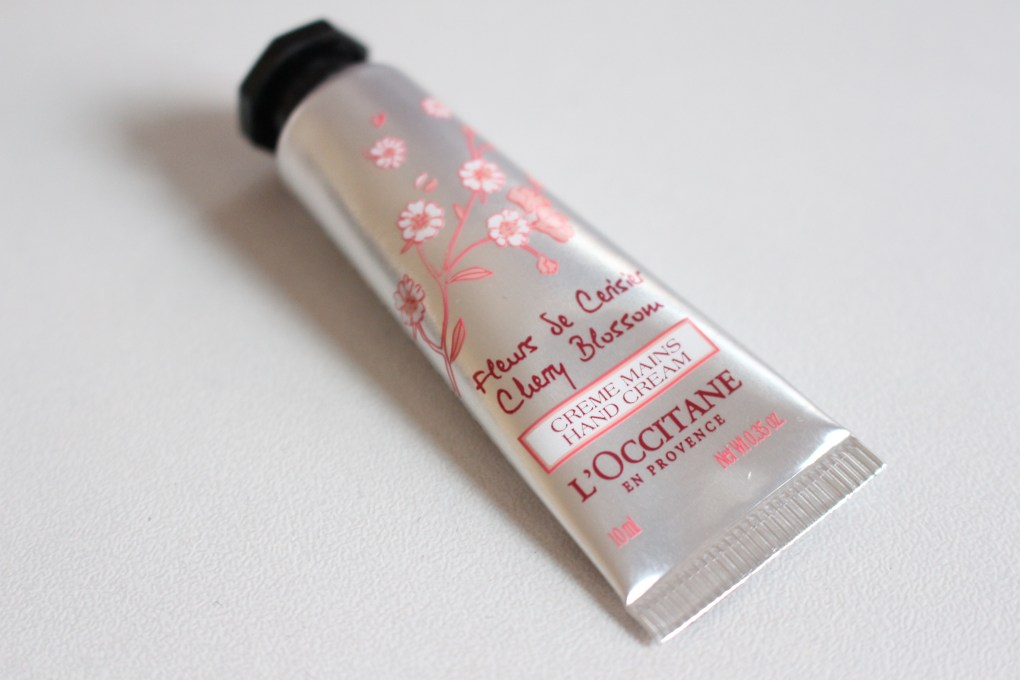 alt-birchbox-loccitane-creme-mains-fleurs-de-cerisier-lady-heavenly