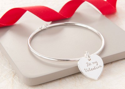 alt-personalised-heart-or-disc-bangle-merci-maman-be-my-valentine