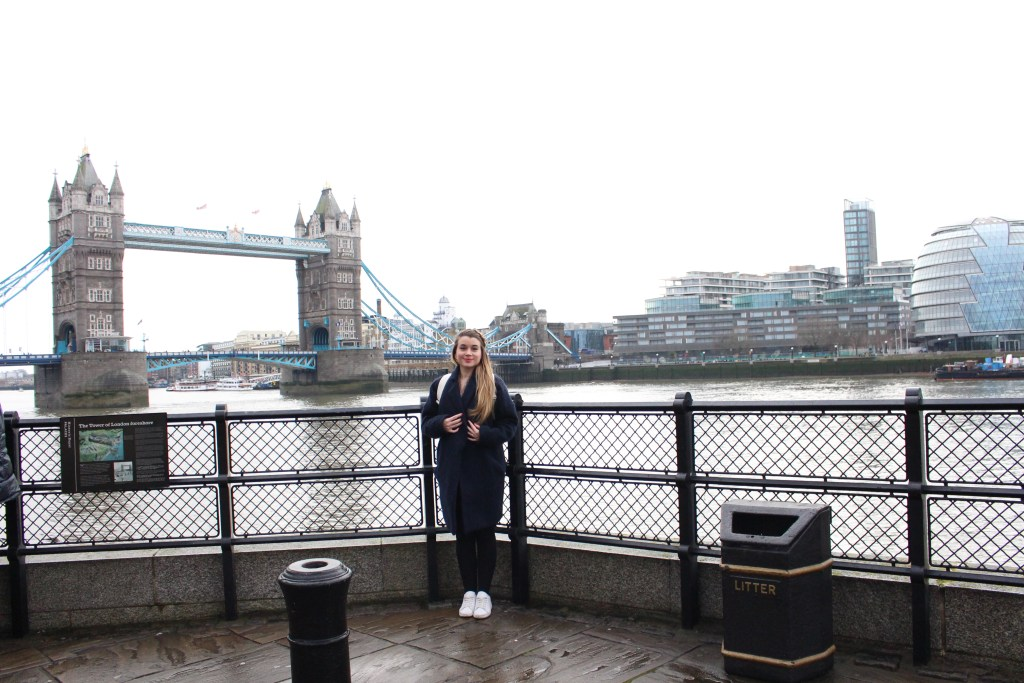 alt-week-end-londres-tower-bridge-lady-heavenly