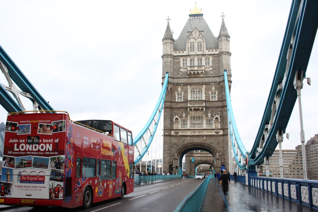 alt-londres-tower-bridge-bus-rouge