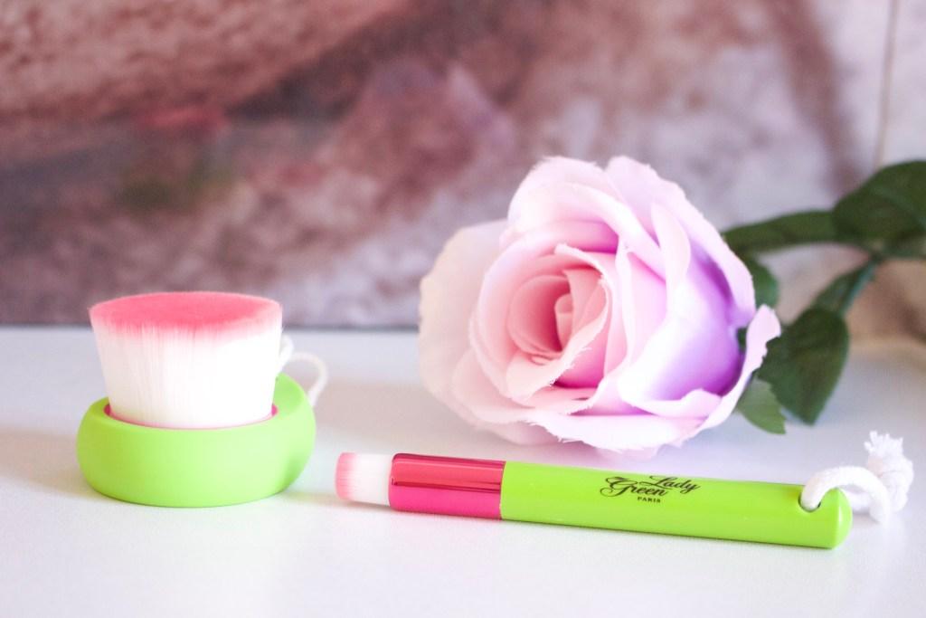 alt-concours-brosses-nettoyantes-pour-le-visage-lady-green