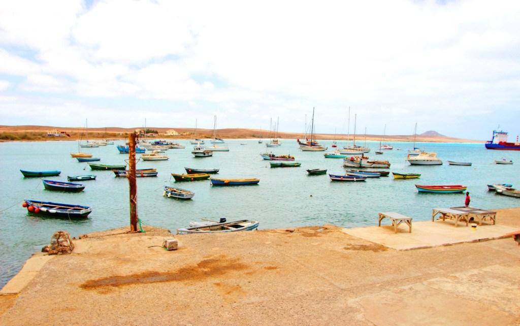 alt-découverte-de-l'île-de-Sal-cap-vert-bateaux-pecheurs