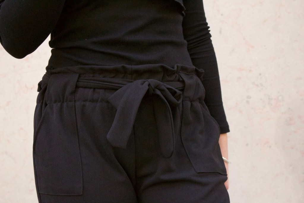 alt-detail-look-pantaon-chino-ceinture-noeud
