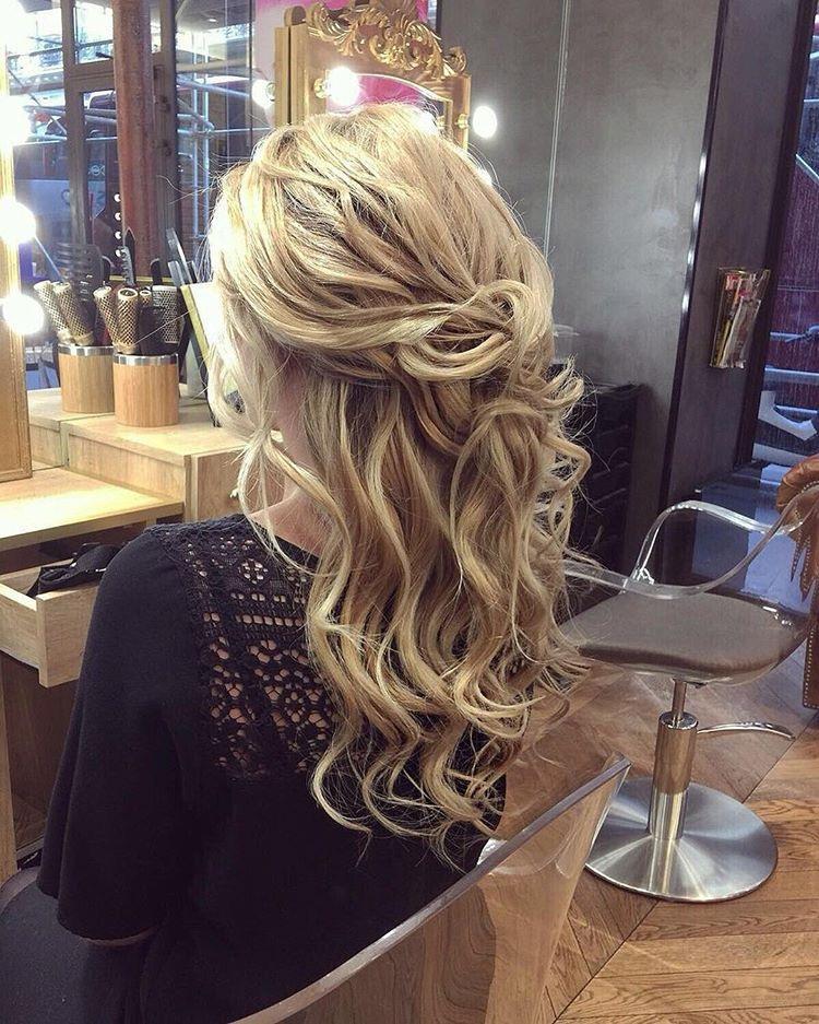 alt-lady-heavenly-coiffure-blonde-cheveux-bouclés