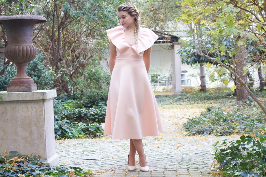 alt-look-lady-heavenly-robe-de-fete-patineuse-vintage-nude-rose