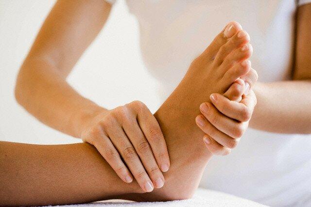 Реабилитация после перелома ноги после снятия гипса. Сколько держится отёк после снятия гипса после перелома лодыжки и осложнения