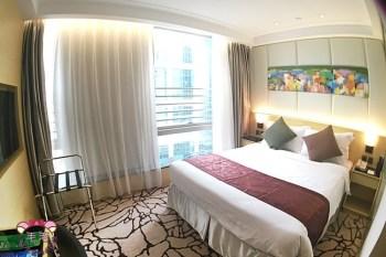 香港西營盤平價海景飯店推薦》頤庭酒店♥讓人尖叫的免費升等,房間大 乾淨寬敞舒適 價格便宜實在/新開幕/香港自由行