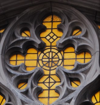 15-yellow-window-detail