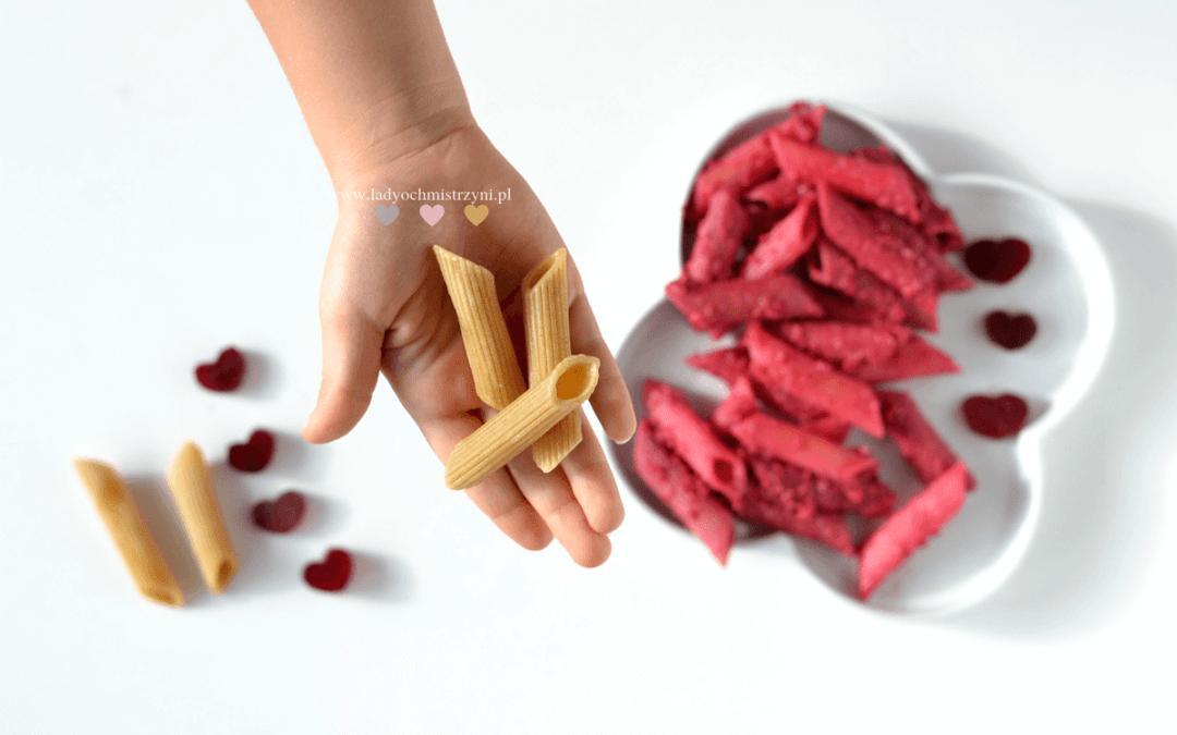 pesto buraczane z makaronem