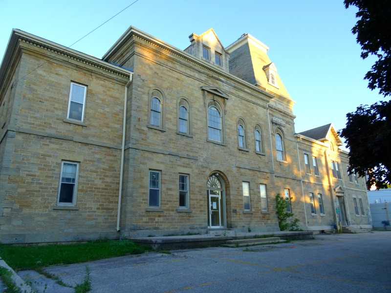 Old Grey County Court House