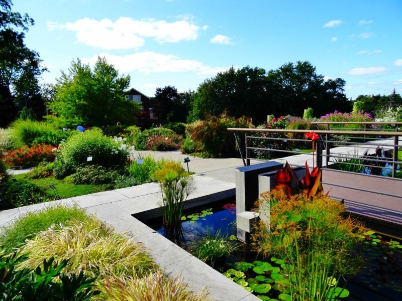 Stratford gardens