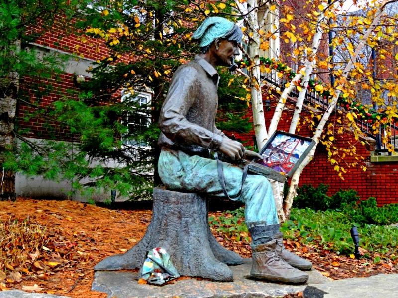 Tom Thomson statue