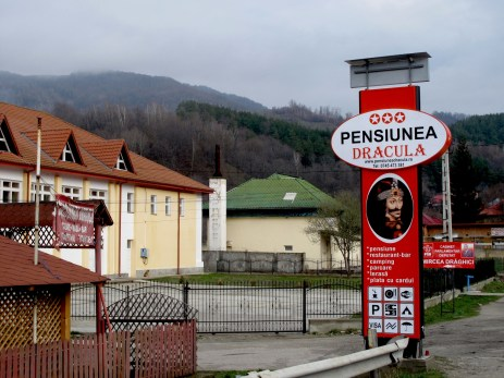 On the way to Poienari fortress you can find a hotel with a very Transylvanian name