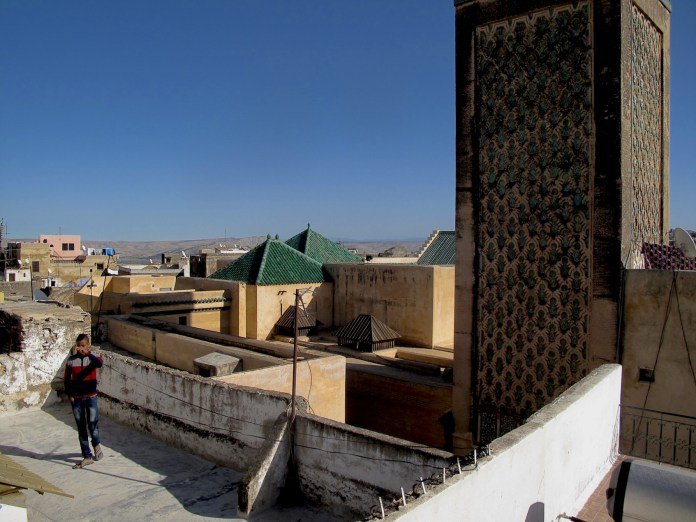 Roofs of Fès and minaret