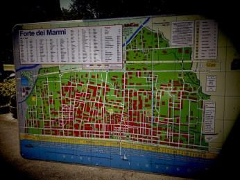 Map of Forte dei Marmi in the street