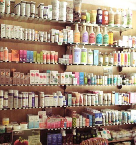 Inmensa variedad de cosméticos ecológicos en Árnica Montana