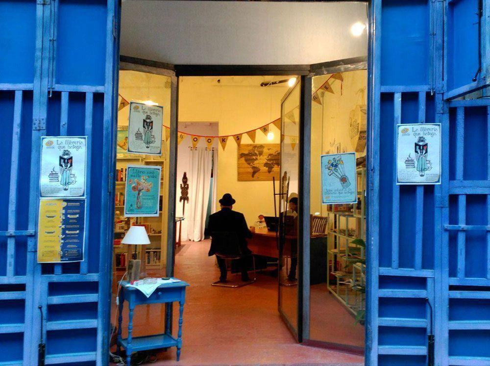 Aida Books&More Barcelona, librería solidaria, libros de seguda mano