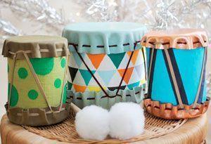 Tambores DIY para niños hechos con latas de conservas