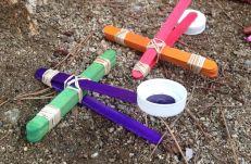 qué poner dentro de una piñata sostenible: catapultas